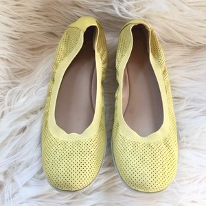 "Easy Spirit Leather Yellow Flats w/ 1"" wedge. Sz 9"